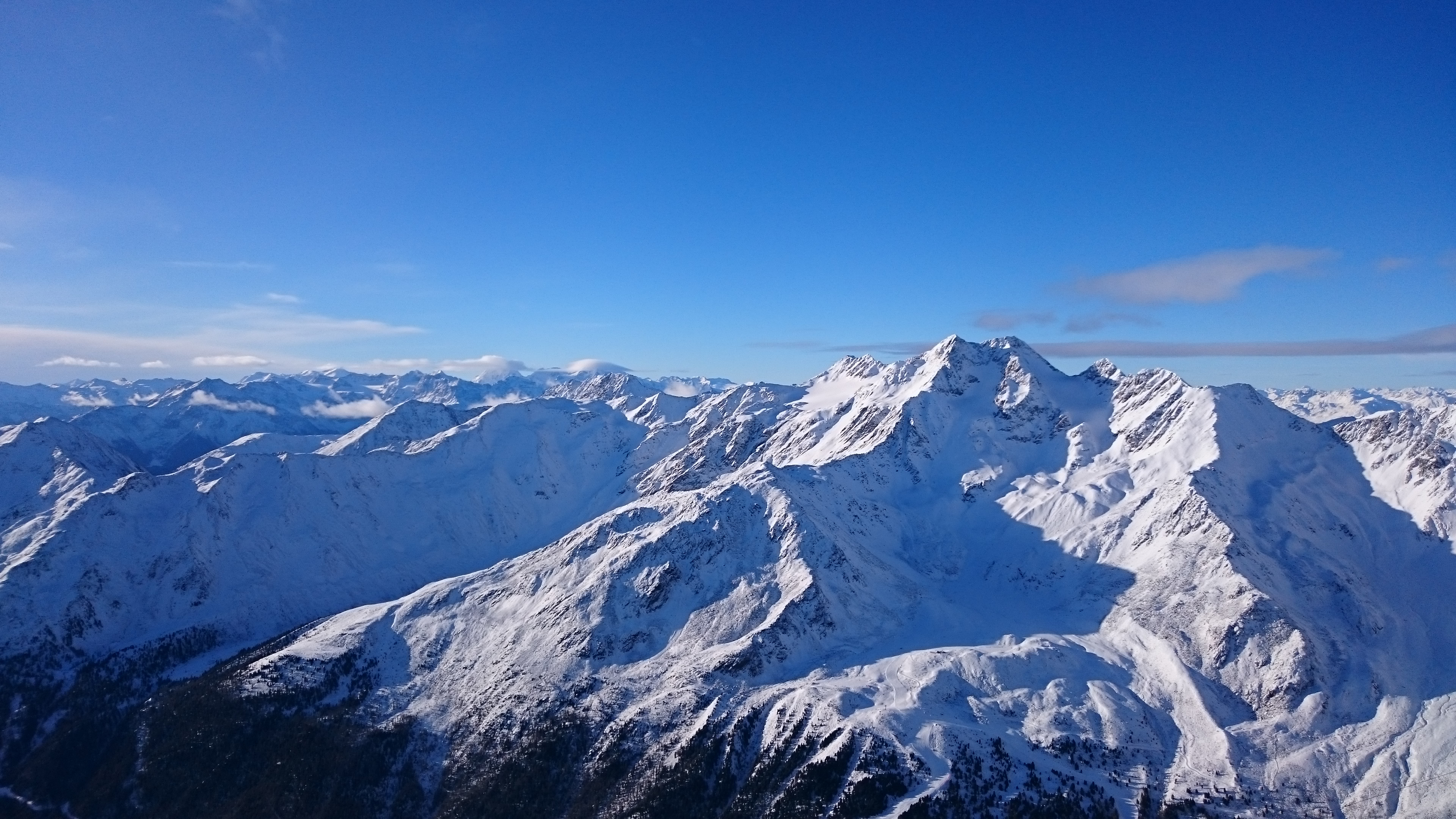 The first journey this year – Skiing holidays in the alps!